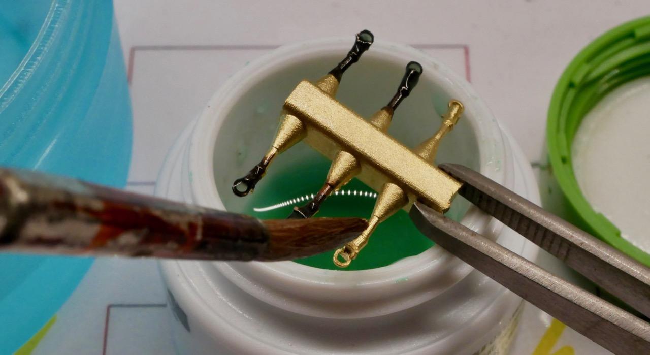 Brünierung von Kleinteilen aus Buntmetall
